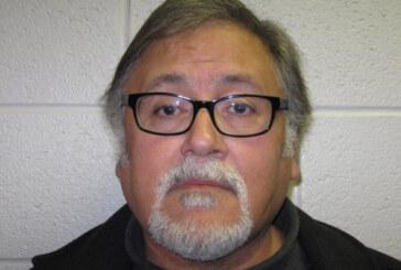 Un ex director ejecutivo de la Fundación de Cáncer de Mama JD acusado de robo