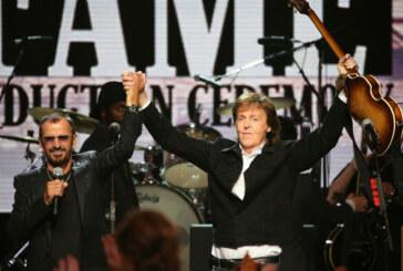 Paul McCartney y Ringo Starr  en el Salón de la Fama del Rock de Cleveland Ohio