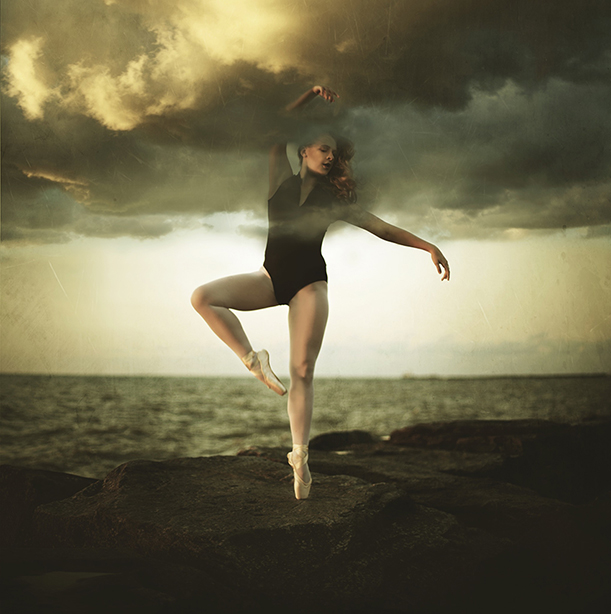 giann-enid-dancing-with-the-clouds