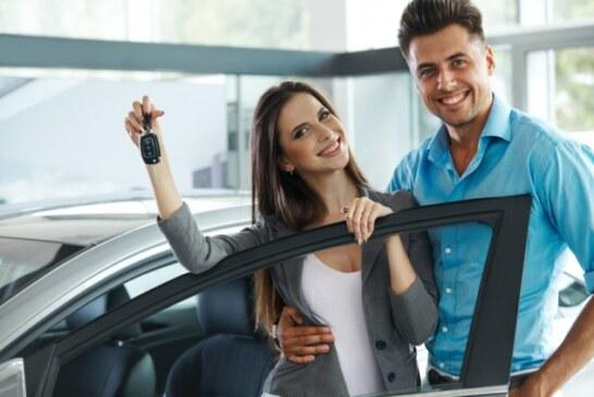 Uno de cada cuatro automóviles son comprados por los Hispanos, pero ¿esto se refleja en los presupuestos de las automotrices?